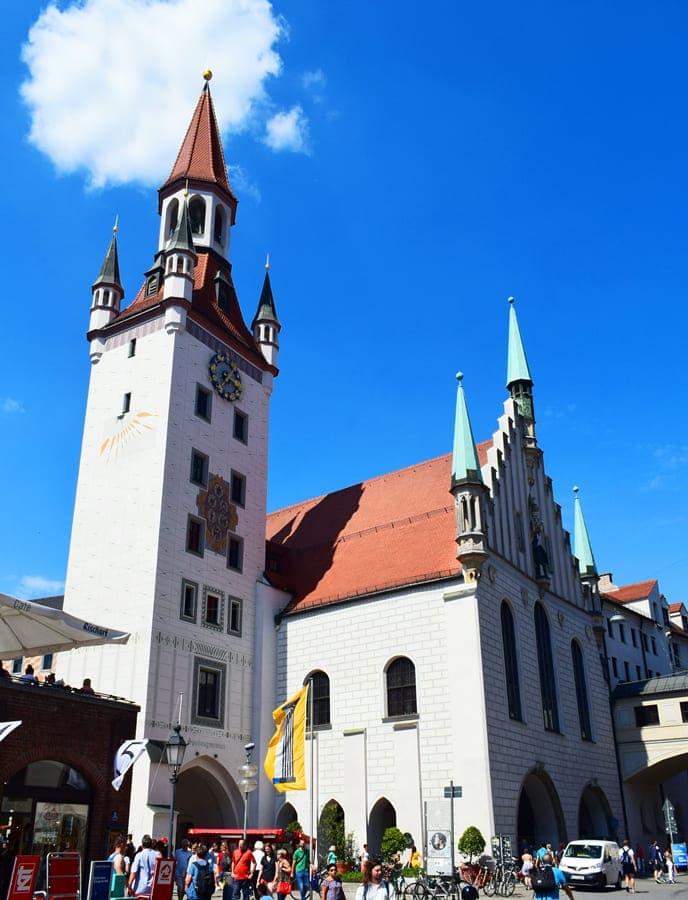 monaco-di-baviera-altes-rathaus-marienplatz-01 Monaco di Baviera: itinerario di tre giorni nella città dell'Oktoberfest