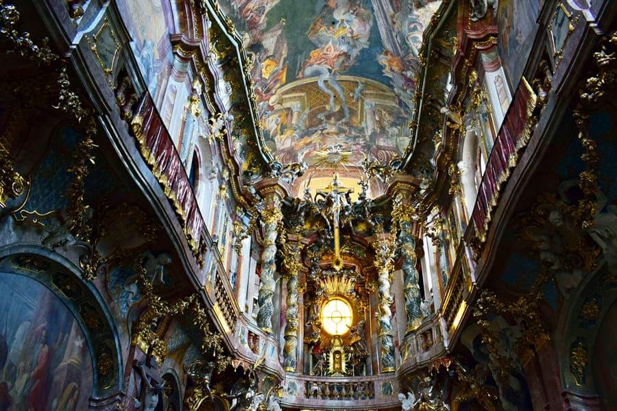monaco-di-baviera-asamkirche-02 Monaco di Baviera: itinerario di tre giorni nella città dell'Oktoberfest