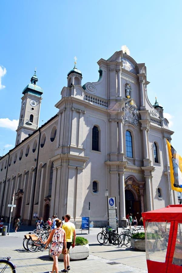 monaco-di-baviera-heiliggeistkirche-01 Monaco di Baviera: itinerario di tre giorni nella città dell'Oktoberfest