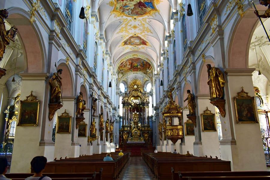 monaco-di-baviera-peterskirche-01 Monaco di Baviera: itinerario di tre giorni nella città dell'Oktoberfest
