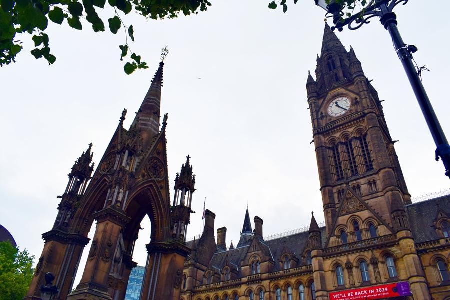 cosa-vedere-a-manchester-albert-square-04 Manchester: meta ideale per un weekend