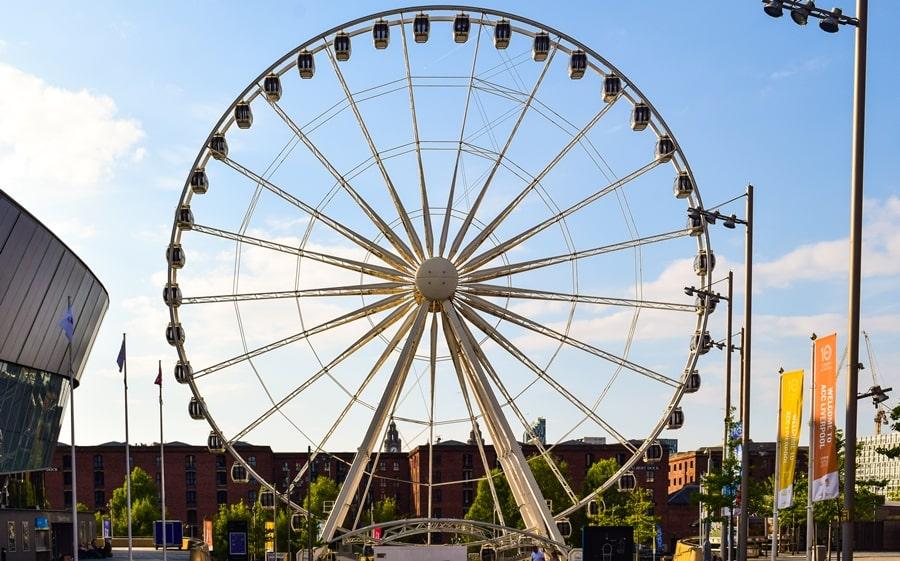 cosa-vedere-a-liverpool-albert-dock-ruota-panoramica-04 Liverpool: un giorno nella città dei Beatles