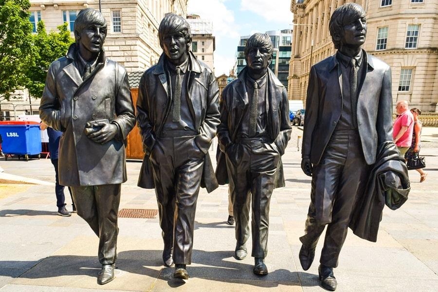 cosa-vedere-a-liverpool-beatles-statue-waterfront Liverpool: un giorno nella città dei Beatles