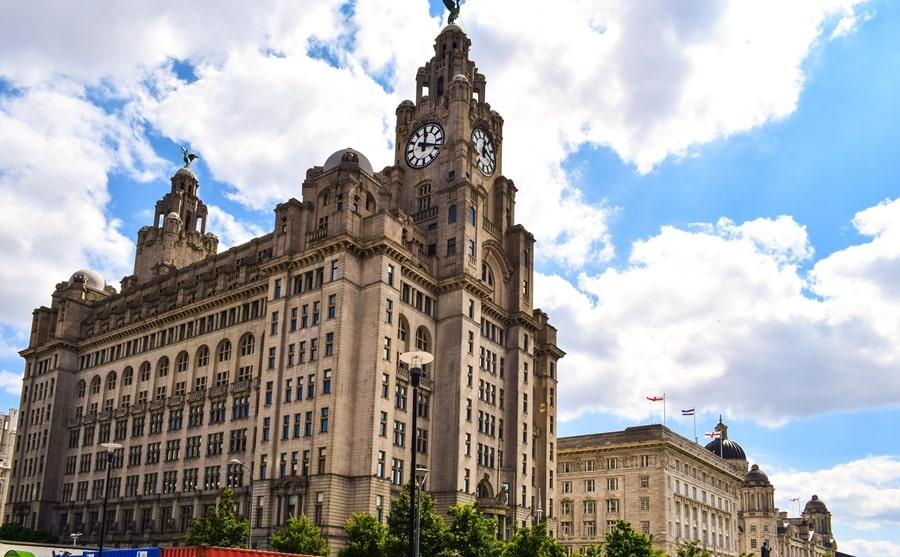 cosa-vedere-a-liverpool-liver-building Liverpool: un giorno nella città dei Beatles