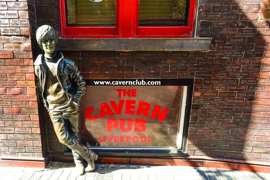 cosa-vedere-a-liverpool-mathew-street-john-lennon-beatles Liverpool: un giorno nella città dei Beatles