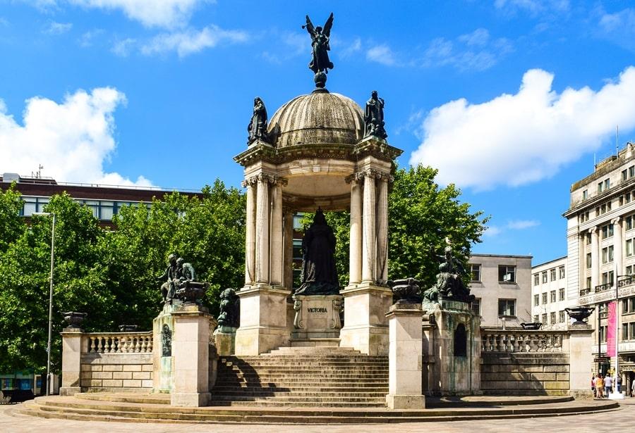cosa-vedere-a-liverpool-victoria-memorial Liverpool: un giorno nella città dei Beatles