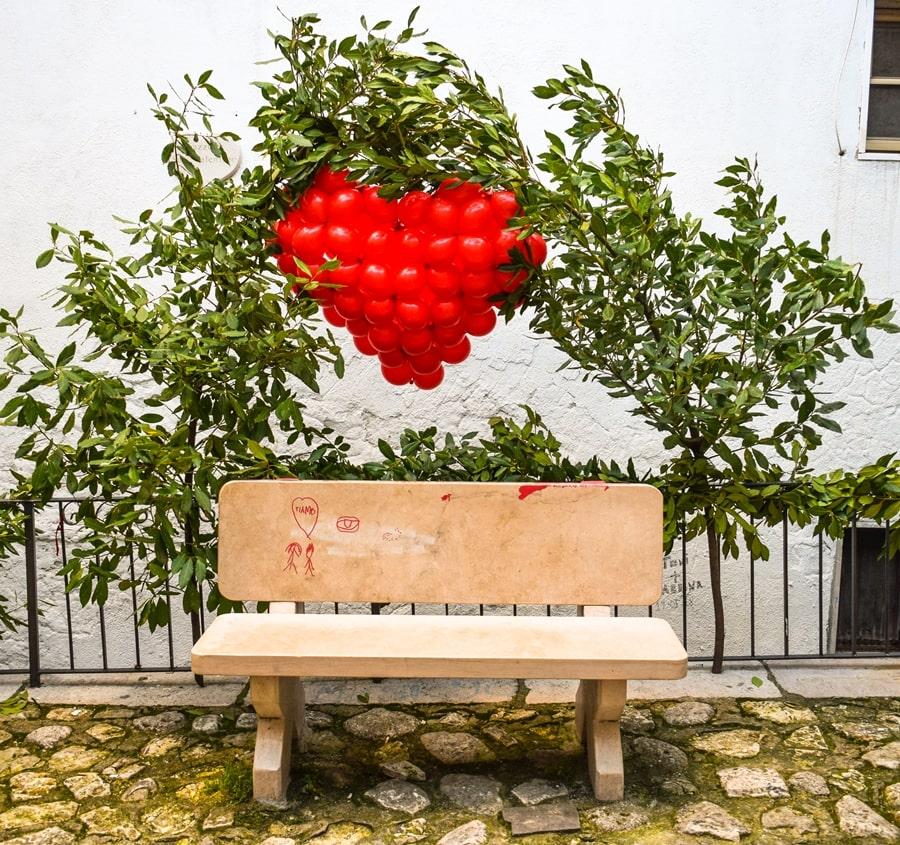 san-valentino-vico-del-gargano-vicolo-del-bacio-03 San Valentino a Vico del Gargano: la festa dell'amore e delle arance