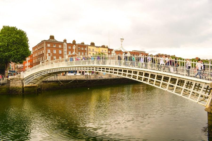 cosa-vedere-a-dublino-half-penny-bridge-01 Cosa vedere e fare a Dublino in tre giorni