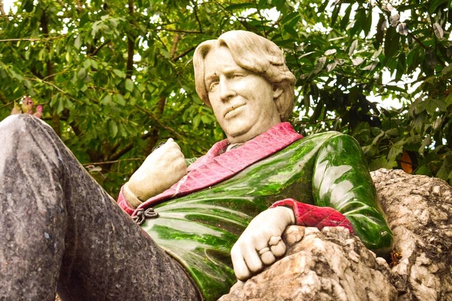 cosa-vedere-a-dublino-statua-oscar-wilde-02 Cosa vedere e fare a Dublino in tre giorni