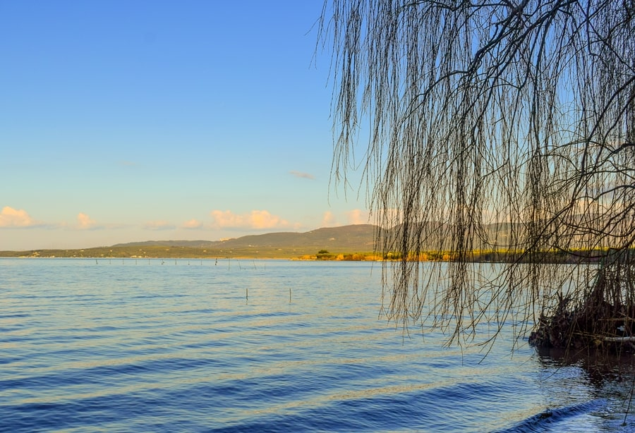 cosa-vedere-nel-gargano-lago-di-varano-03 Visitare il Gargano in inverno: un itinerario tra borghi e natura