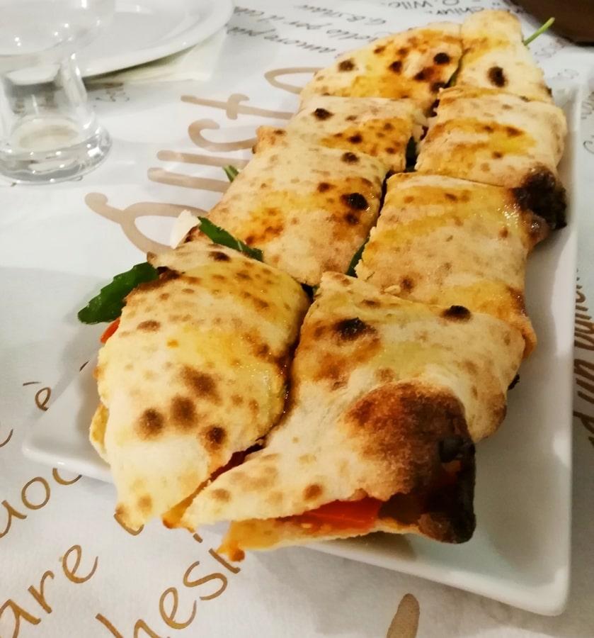 dove-mangiare-vico-del-gargano-paposcia-pizzeria-le-macine-01 Visitare il Gargano in inverno: un itinerario tra borghi e natura