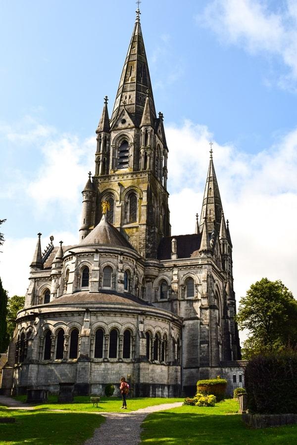 cosa-vedere-a-cork-irlanda-st-fin-barres-cathedral-01 Cosa vedere nel sud dell'Irlanda: la città di Cork
