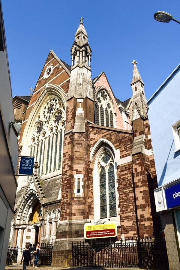 cosa-vedere-a-cork-irlanda-st-peter-and-pauls-church-01 Cosa vedere nel sud dell'Irlanda: la città di Cork