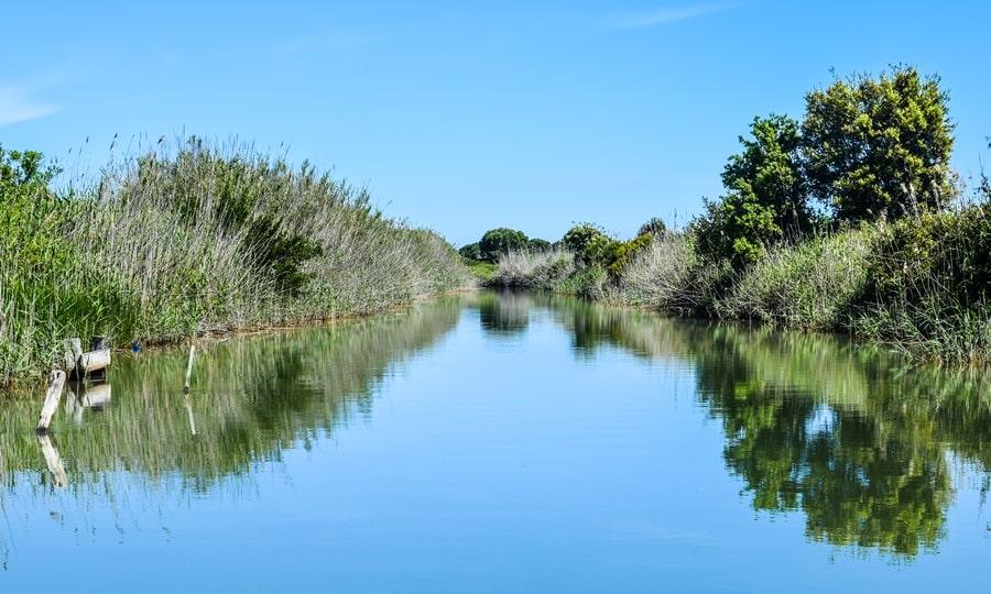 laguna-di-lesina-canale-acquarotta Gargano: cosa vedere sul Lago di Lesina e dintorni