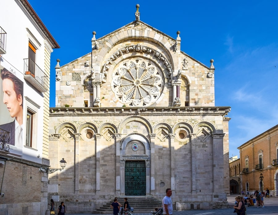cattedrale-troia-monti-dauni-posti-da-vedere-in-puglia-01 Itinerario tra i borghi dei Monti Dauni: una Puglia tutta da scoprire!