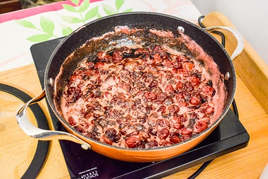 cosa-fare-a-conversano-laboratorio-cucina-marmellata-ciliegie-02 Posti da visitare in Puglia: Conversano e dintorni