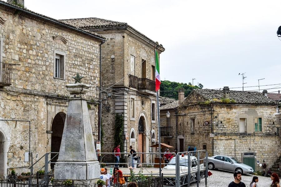 orsara-di-puglia-monti-dauni-posti-da-vedere-in-puglia-02 Itinerario tra i borghi dei Monti Dauni: una Puglia tutta da scoprire!