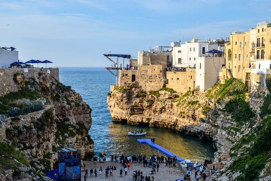 posti-da-vedere-in-puglia-polignano-a-mare-01 Posti da visitare in Puglia: Conversano e dintorni
