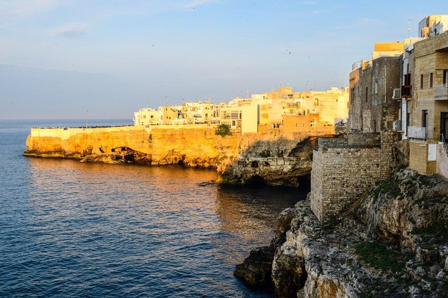 posti-da-vedere-in-puglia-polignano-a-mare-03 Posti da visitare in Puglia: Conversano e dintorni