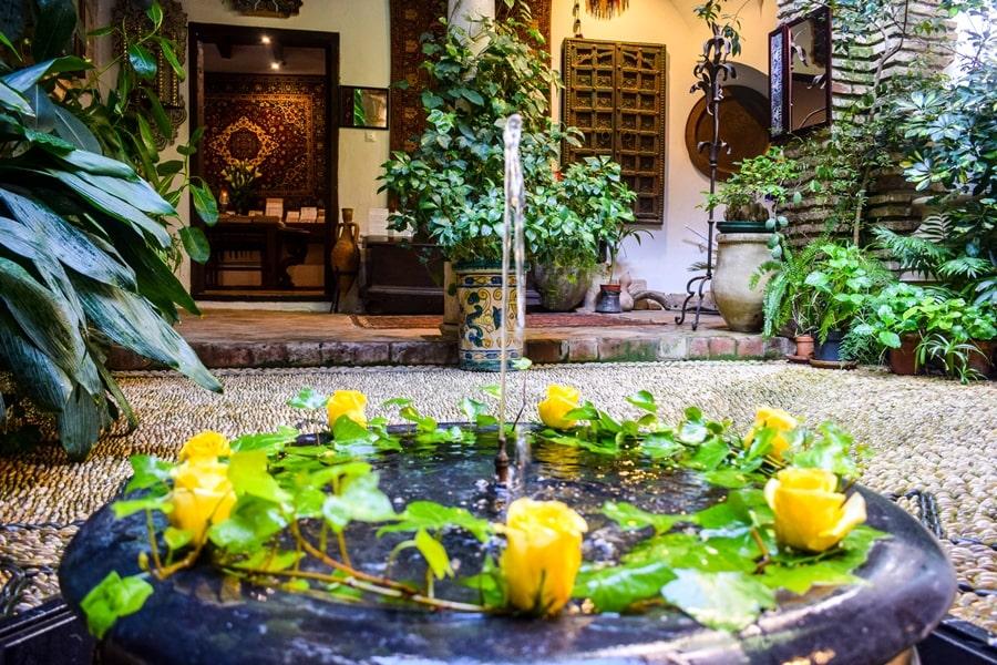 cosa-vedere-a-cordoba-un-giorno-casa-andalusi-andalusia-spagna-05 Cordoba: cosa vedere in 24 ore, dove mangiare e dormire