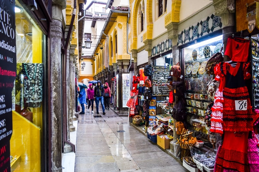 cosa-vedere-a-granada-due-giorni-alcaiceria-01 Granada: cosa vedere in due giorni nella città dell'Alhambra