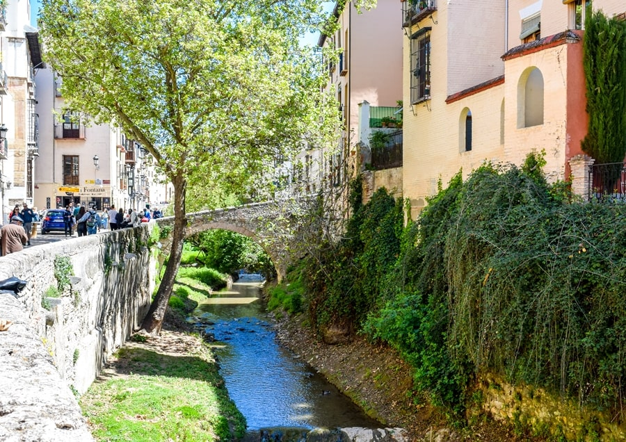 cosa-vedere-a-granada-due-giorni-carrera-del-darro-0 Granada: cosa vedere in due giorni nella città dell'Alhambra