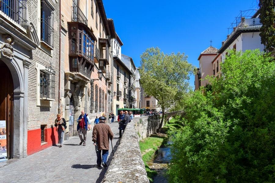 cosa-vedere-a-granada-due-giorni-carrera-del-darro-01 Granada: cosa vedere in due giorni nella città dell'Alhambra