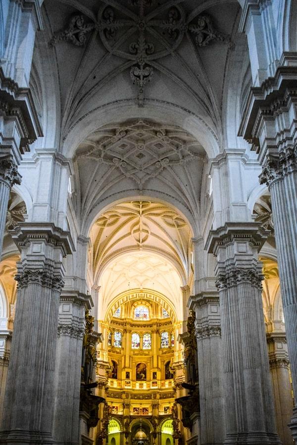 cosa-vedere-a-granada-due-giorni-cattedrale-di-granada-02 Granada: cosa vedere in due giorni nella città dell'Alhambra