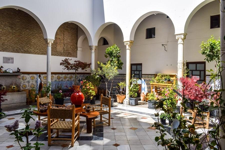 cosa-vedere-a-granada-due-giorni-patio-de-los-perfumes Granada: cosa vedere in due giorni nella città dell'Alhambra