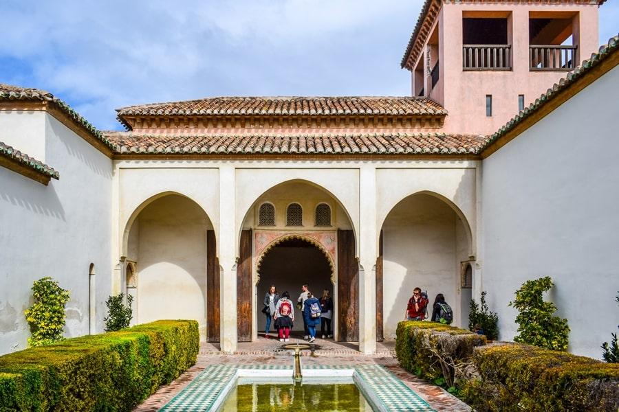 cosa-vedere-a-malaga-alcazaba-andalusia-tour-spagna-06 Cosa vedere a Malaga in un giorno