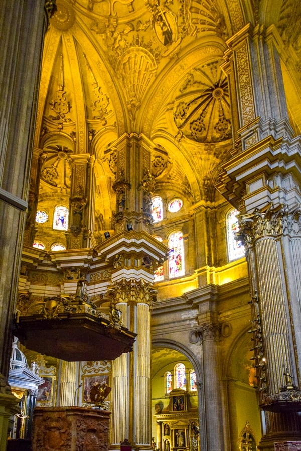 cosa-vedere-a-malaga-cattedrale-di-malaga-andalusia-tour-spagna-11 Cosa vedere a Malaga in un giorno
