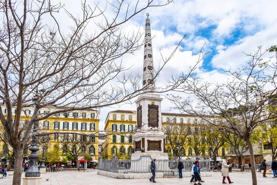 cosa-vedere-a-malaga-plaza-de-la-merced-andalusia-tour-spagna-0 Cosa vedere a Malaga in un giorno