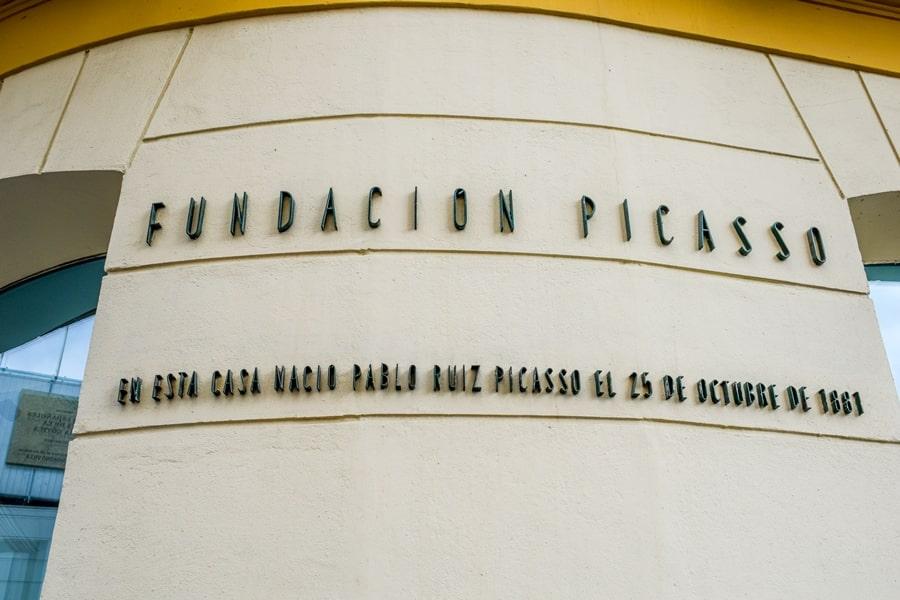cosa-vedere-a-malaga-plaza-de-la-merced-andalusia-tour-spagna-03 Cosa vedere a Malaga in un giorno