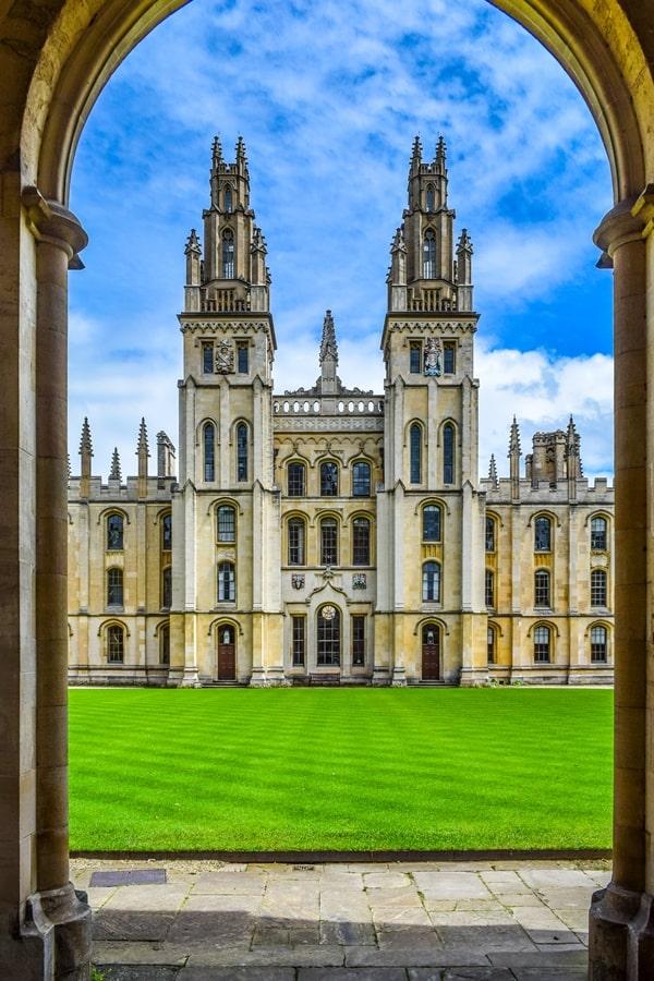 cosa-vedere-a-oxford-all-souls-college-inghilterra-regno-unito Cosa vedere a Oxford, itinerario di un giorno da Londra