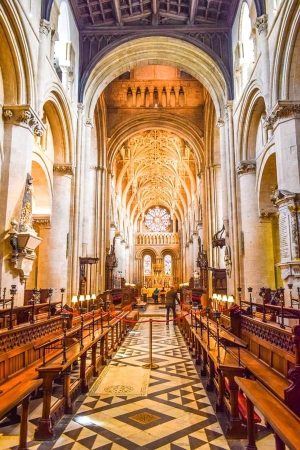 cosa-vedere-a-oxford-christ-church-college-cathedral-inghilterra-regno-unito-01 Cosa vedere a Oxford, itinerario di un giorno da Londra