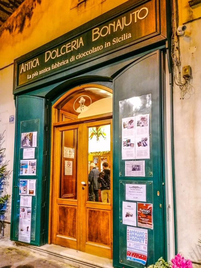 antica-dolceria-bonajuto-modica-01 Chocomodica: la festa del cioccolato di Modica