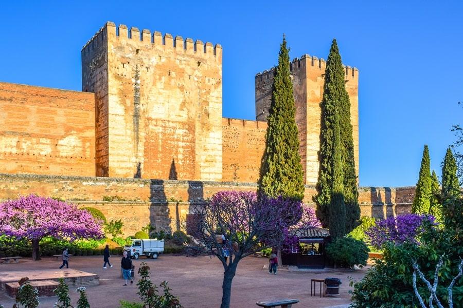 alhambra-granada-alcazaba-01 L'Alhambra di Granada: tutte le informazioni sulla visita e i biglietti