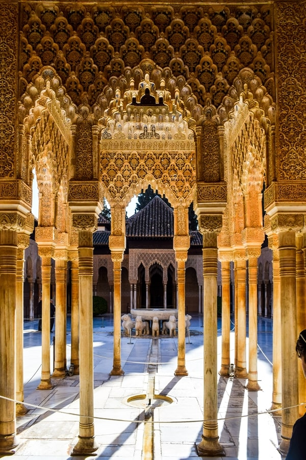 alhambra-granada-cortile-dei-leoni-02 L'Alhambra di Granada: tutte le informazioni sulla visita e i biglietti