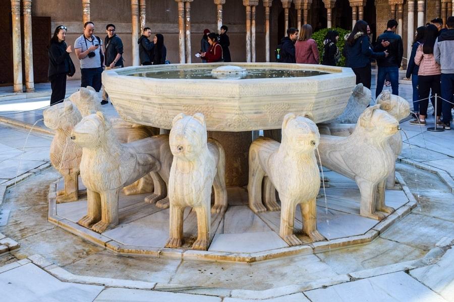 alhambra-granada-cortile-dei-leoni-05 L'Alhambra di Granada: tutte le informazioni sulla visita e i biglietti