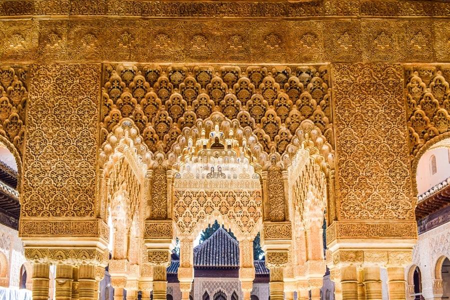alhambra-granada-cortile-dei-leoni-06 L'Alhambra di Granada: tutte le informazioni sulla visita e i biglietti