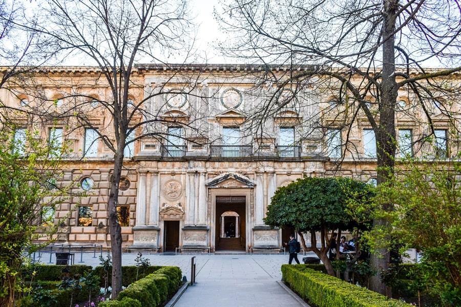 alhambra-granada-palazzo-carlo-v-01 L'Alhambra di Granada: tutte le informazioni sulla visita e i biglietti