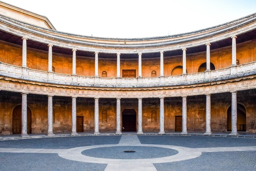 alhambra-granada-palazzo-carlo-v-02 L'Alhambra di Granada: tutte le informazioni sulla visita e i biglietti