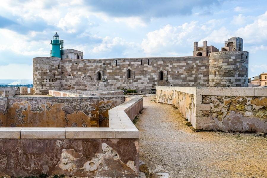 cosa-vedere-a-siracusa-sicilia-castello-maniace-05 Cosa vedere a Siracusa: tutti i luoghi da non perdere