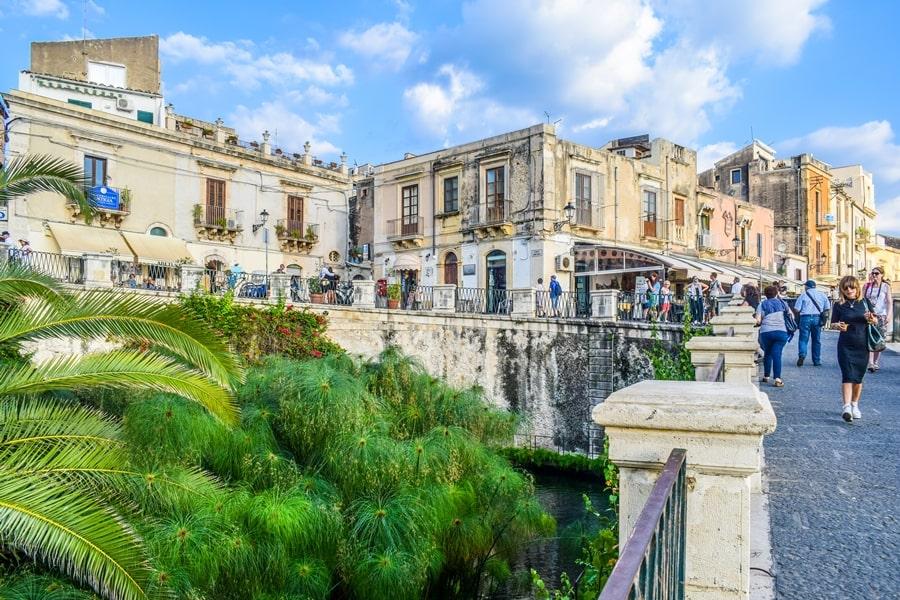 cosa-vedere-a-siracusa-sicilia-fonte-aretusa-02 Cosa vedere a Siracusa: tutti i luoghi da non perdere