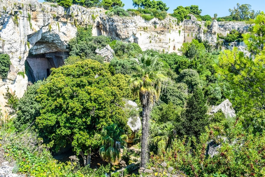 cosa-vedere-a-siracusa-sicilia-parco-archeologico-neapolis-latomie Cosa vedere a Siracusa: tutti i luoghi da non perdere