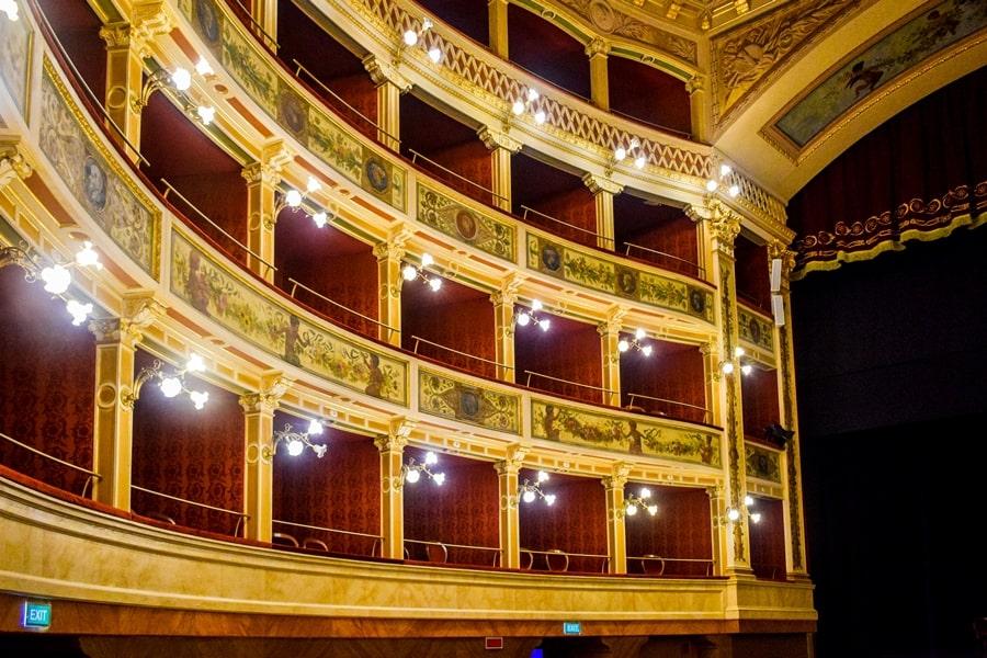 cosa-vedere-a-siracusa-sicilia-teatro-comunale-01 Cosa vedere a Siracusa: tutti i luoghi da non perdere