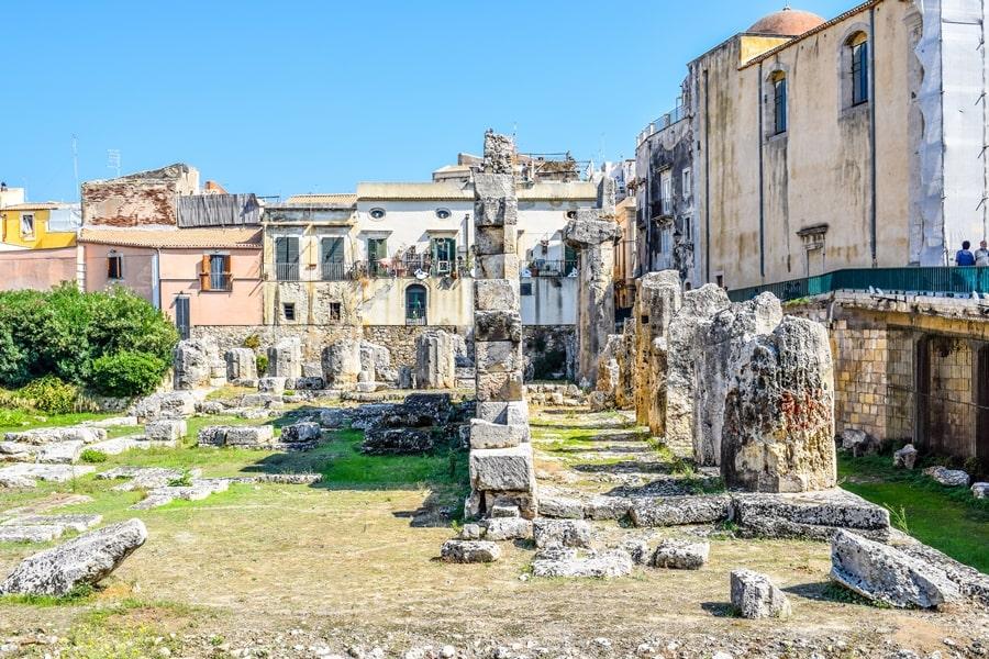 cosa-vedere-a-siracusa-sicilia-tempio-di-apollo-01 Cosa vedere a Siracusa: tutti i luoghi da non perdere