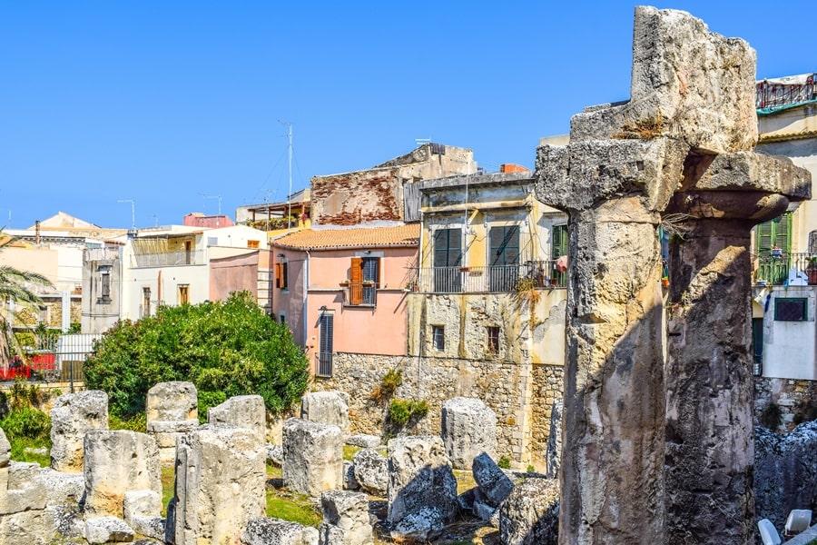 cosa-vedere-a-siracusa-sicilia-tempio-di-apollo-03 Cosa vedere a Siracusa: tutti i luoghi da non perdere