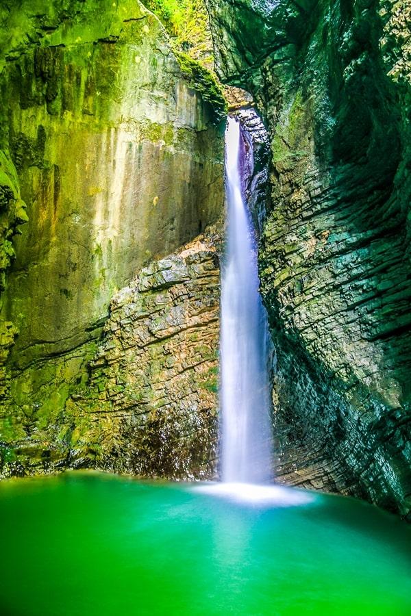 valle-isonzo-slovenia-cascata-kozjak Valle dell'Isonzo: cosa fare e vedere tra storia, sport e bellezze naturali