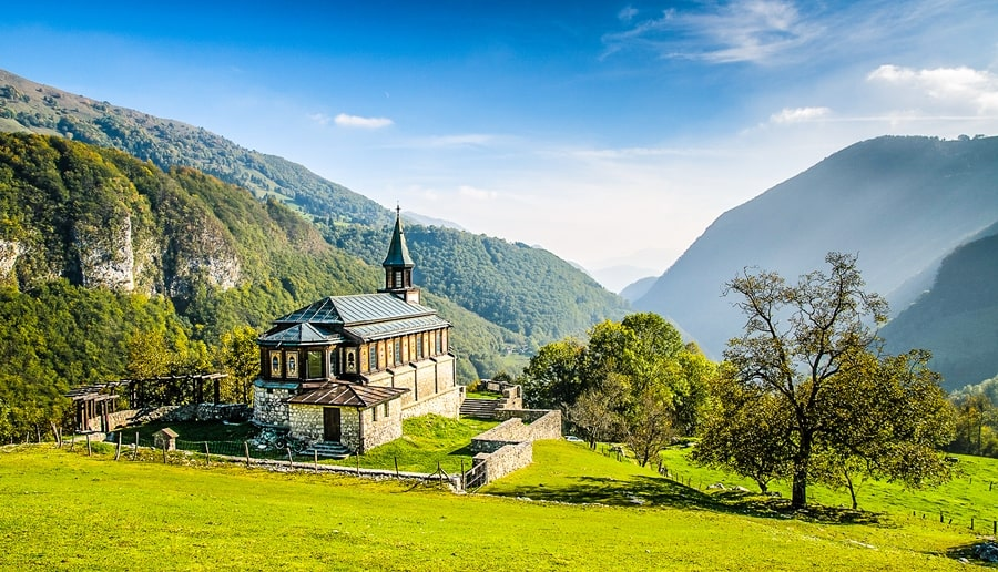 valle-isonzo-slovenia-chiesa-spirito-santo-javorca Valle dell'Isonzo: cosa fare e vedere tra storia, sport e bellezze naturali